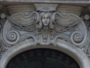 uma fachada da Rua Jószef Attila, Budapest